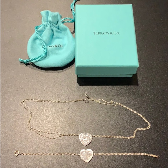 6860f2d1e Tiffany silver signature heart and necklace. M_5bde4607819e9031aefd79c3